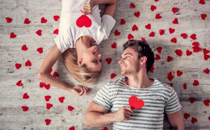 Phantasie ist gefragt: Am Hochzeitstag, am Kennenlerntag will man den Partner oder die Partnerin mit etwas Außergewöhnlichem überraschen.