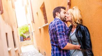 Die Sonne macht Lust auf mehr: Ein warmer Tag regt bei 39 Prozent aller Deutschen die Sex-Laune an.