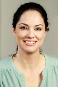 Dr. Katharina Ohana ist Beziehungsexpertin bei einem Datingportal. Die Tiefenpsychologin Ohana verrät, was einen echten Gentleman auszeichnet.