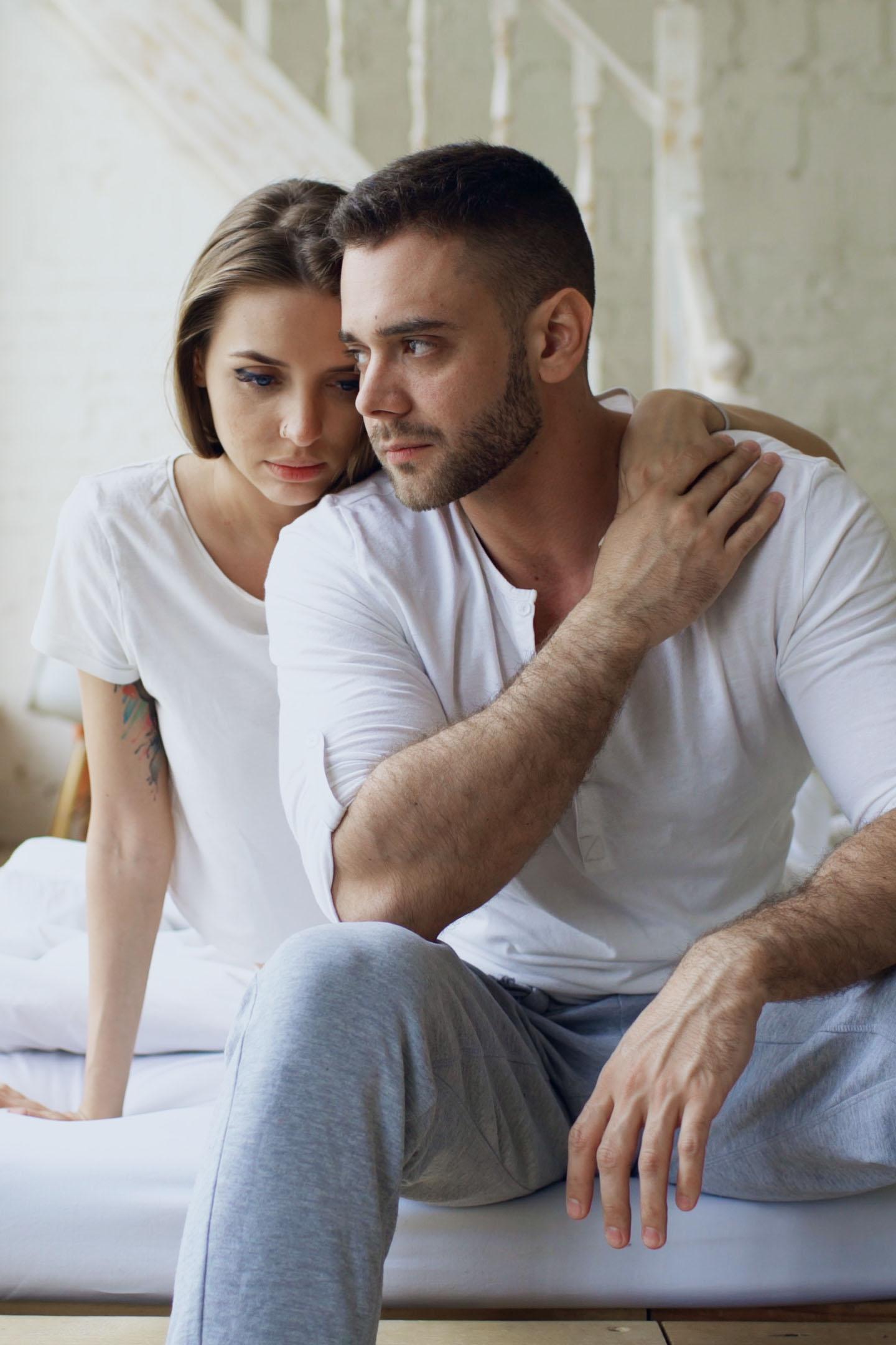 Viele Paare scheuen sich davor, miteinander über ihre sexuelle Lustlosigkeit zu reden.